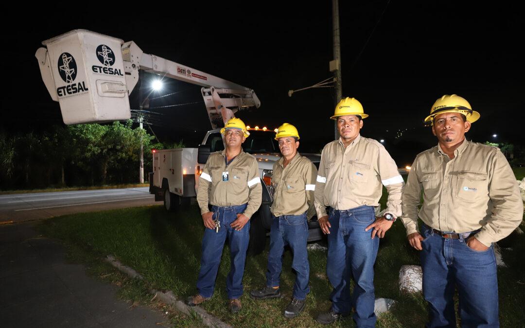 MOP y ETESAL inauguraron obras de iluminación en autopista San Salvador – Comalapa por un monto de $2.1 millones