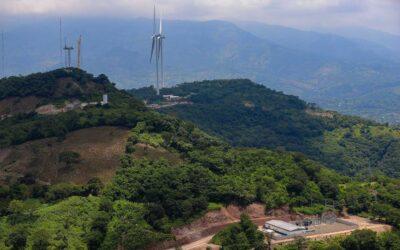 Avances en construcción del primer parque eólico en El Salvador